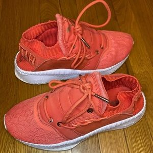 Puma Tsugi shinesi Wn's running sneakers size 7